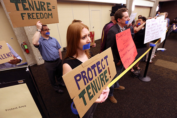 UW-Milwaukee union members at a board of regents meeting